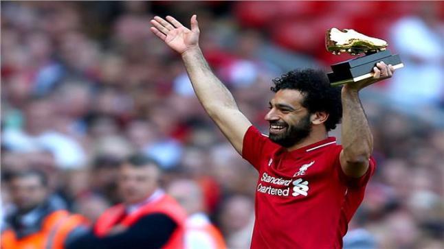 لاعبي ليفربول يؤدون تمارين الإحماء بأرض الملعب بنهائي ابطال أوروبا 2019